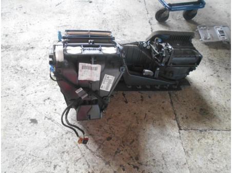 Piece-Bloc-chauffage-VOLKSWAGEN-GOLF-V-Diesel-7de4844198cc38fb4cd8a978f745bd95fd71e2dc54ac0984799cb0dd401575ad.JPG