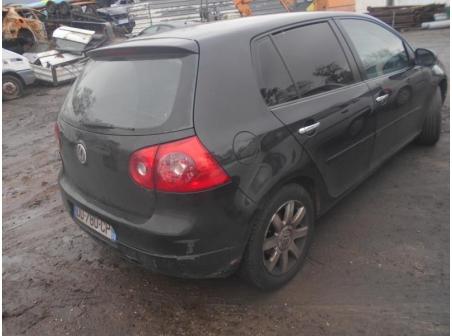 Vehicule-VOLKSWAGEN-GOLF-V-1-9-2005-047abbde68e9be6540fbd49c72079da5ca701696a451a86a8d340b51ca815893.JPG
