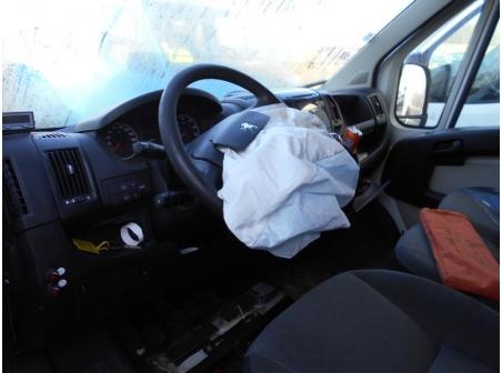 Vehicule-PEUGEOT-BOXER-III-COMBI-2-2-2013-80043fc656fd37941006ebca96dd58765d079cb2999ed7583a735bf1ea2715cb.JPG