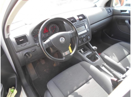 Vehicule-VOLKSWAGEN-GOLF-V-1-4-2008-90d3a7ba09aae76da59c9c3f81d836af712c4c2c7d914d0af9a0650f7496445d.JPG