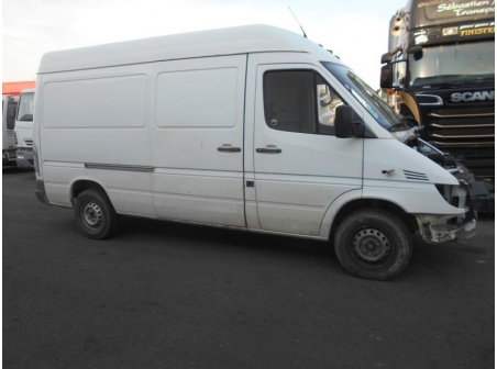Vehicule-MERCEDES-SPRINTER-COMBI-2-1-2006-d9d41e62f4fa7f459dfa69f8a96c5e75cd24240825ca5f51bbcd6331b12c7bc0.JPG