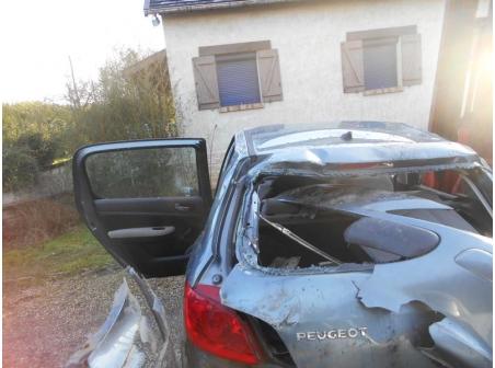 Vehicule-PEUGEOT-307-1-6-2007-7c4a40af418b929b5826a8eb850e851ca1297160d0f3cf7e210a8c1c1b409705.JPG