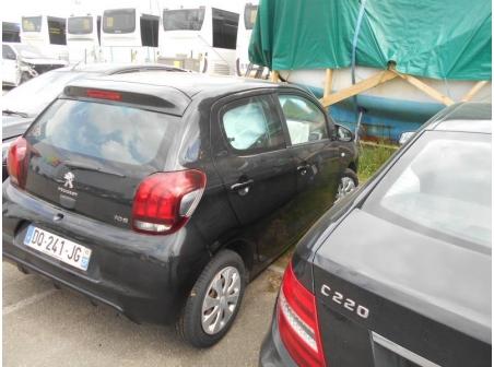 Vehicule-PEUGEOT-108-1-2015-211ffeb31cc2ca2c834f045a04fbc060a5e07d64645f0be5ab4e5cf1d9dfa4de.JPG